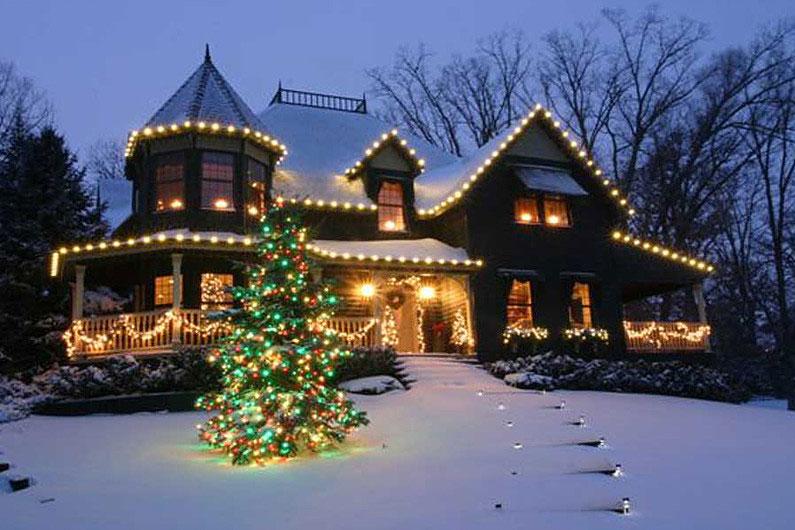... residential christmas decor ...