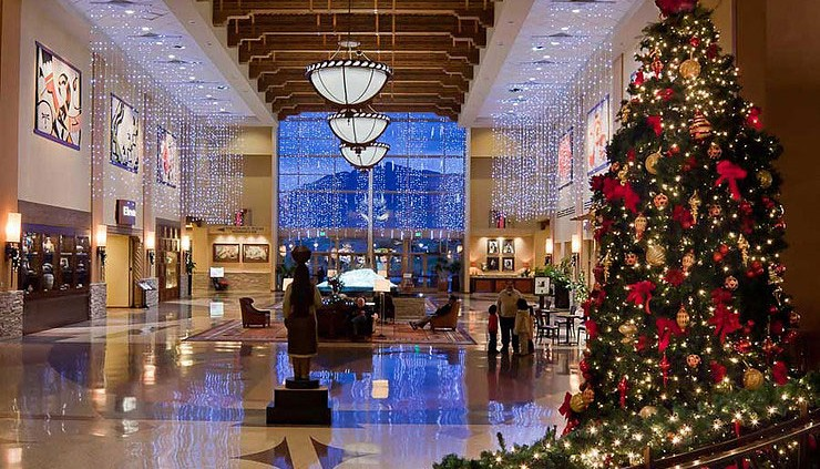 Commercial Christmas Tree.How To Pick The Perfect Commercial Christmas Tree
