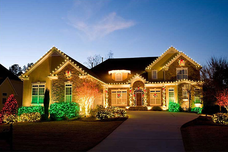 Residential Christmas Decorating In Brainerd, MN
